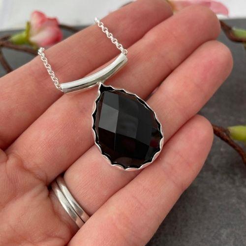 Black agate gemstone pendant hallmarked in London