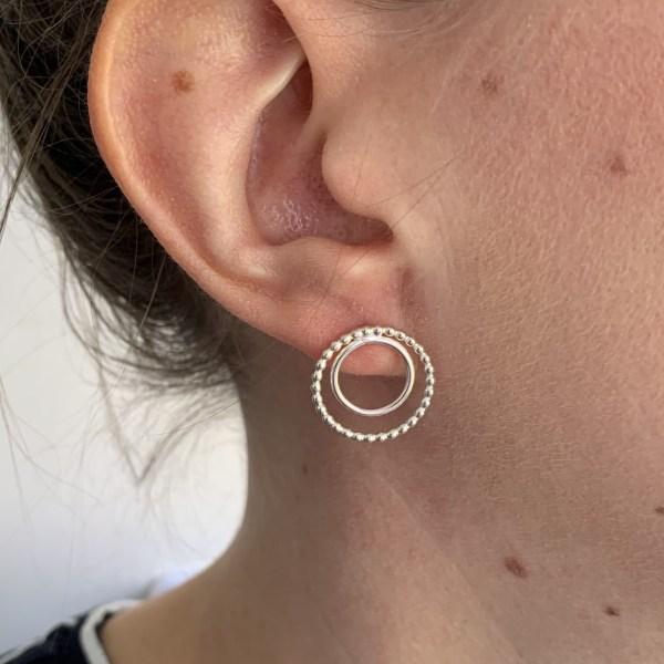 Modelling circle silver stud earrings
