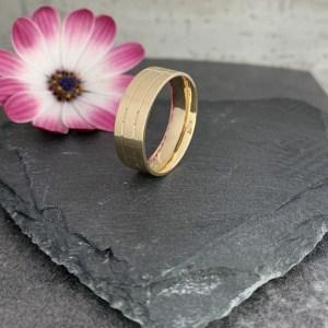 18ct yellow gold wedding ring
