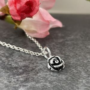 Silver rose flower pendant necklace