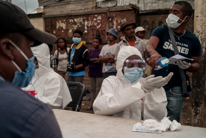 Read more about the article A tale of two pandemics: Is COVID-19 repeating the mistakes of HIV's past?