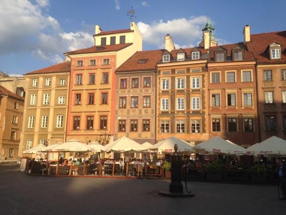La plaza de la ciudad antigua en Varsovia