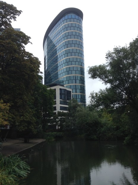 The Botanic garden where no photo is complete without the token modern skyscraper