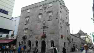 limestone town house Lynch House Galway