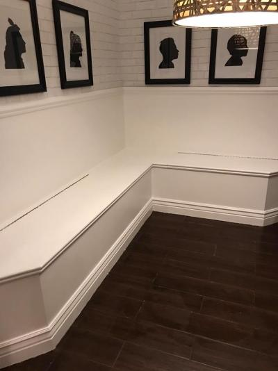 banquette painted