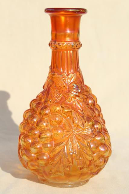 Imperial Grapes Pattern Glass Wine Decanter Bottle Marigold Carnival Iridescent Luster