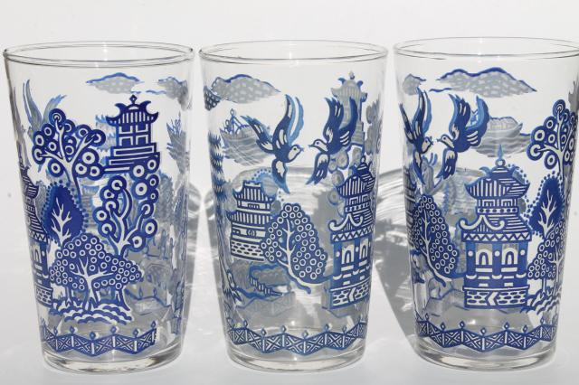 Vintage Blue Willow Pattern Glass Drinking Glasses Go
