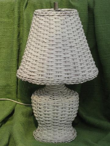 White Wicker Table Or Night Stand Lamp W Shade Vintage Cottage Style