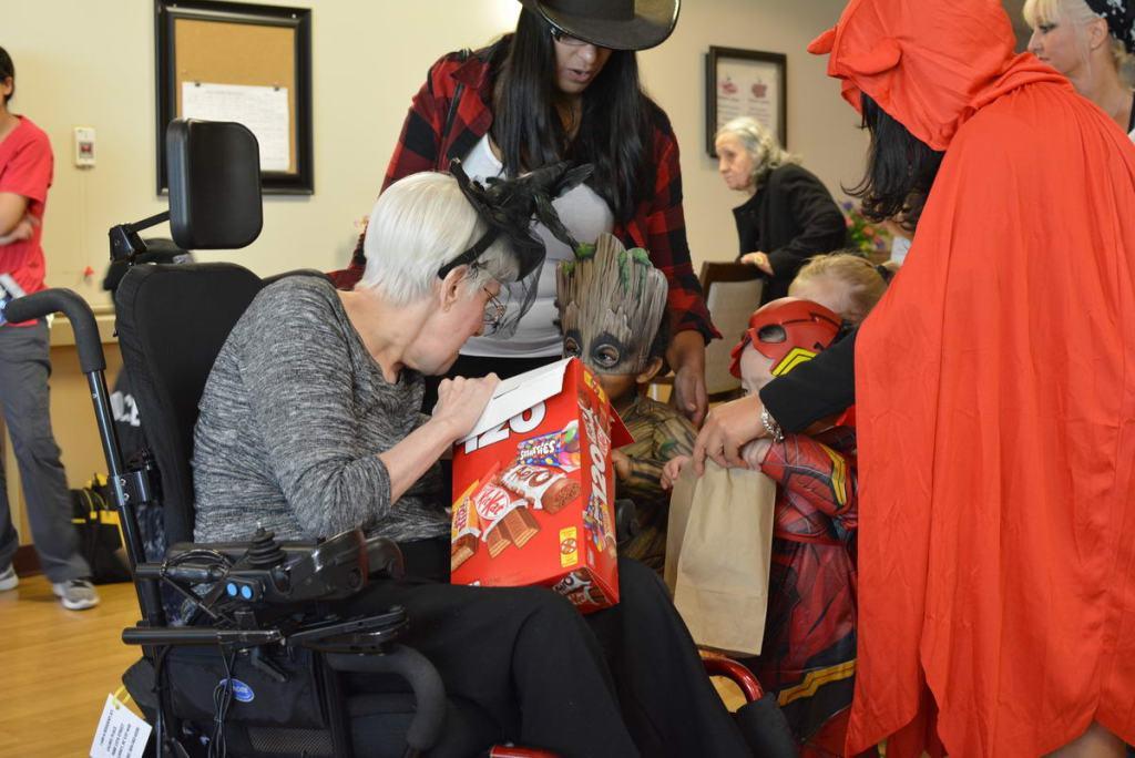 Celebrating Halloween 2017 at Laurel Place