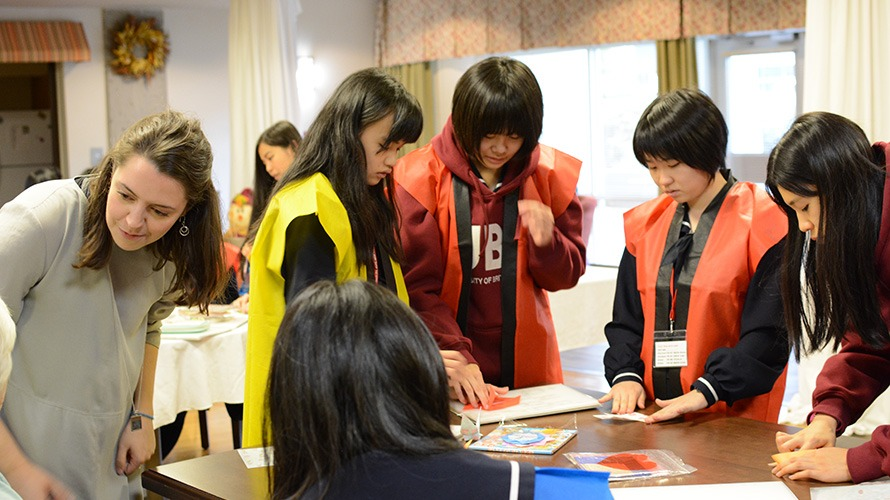 Hokusei Students from Japan Visiting Laurel Place
