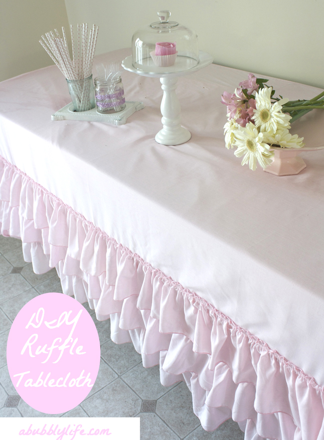 When Planning My Daughteru0027s 1st Birthday, I Began Looking For The Trendy  Ruffled Tablecloths That Look So Stunningly Cute And Beautiful On Tables.