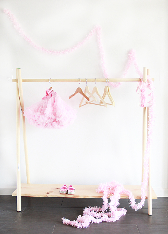 A Bubbly Lifediy Wooden Clothing Rack In 10 Yes 10 Minutes A