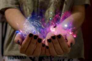 girl-hands-illusion-magic-Favim.com-2678930