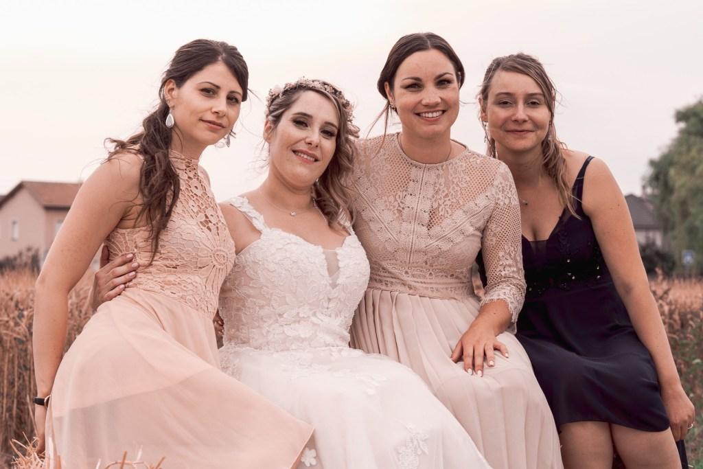 Petite session famille pour la mariée et ses amis