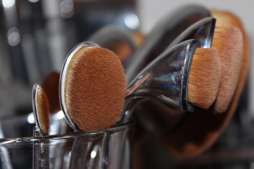 divalicious-artis-brush-review-2