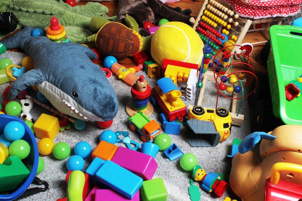 minimizing kids toys