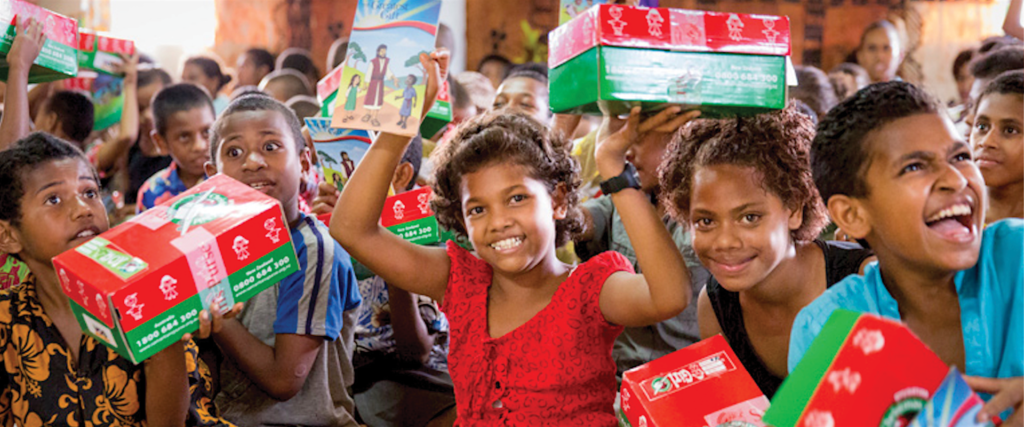 what to put in operation christmas child shoebox