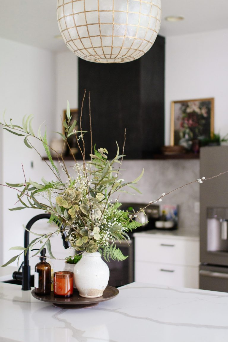 8 Tips for Choosing Faux Florals + Stems to Create a Realistic Arrangement