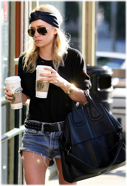 https://i2.wp.com/laurenmessiah.com/wp-content/uploads/2012/06/ashley-olsen-givenchy-handbag.jpg