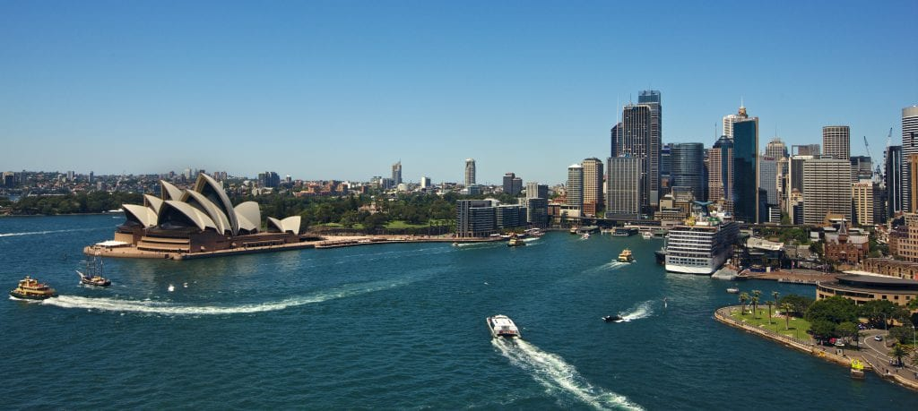 Circular_Quay_from_Sydney_Harbour_Bridge_(2015-02-08)