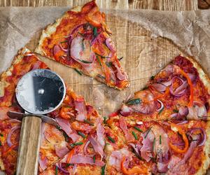 Keto Essentials That Helped Me Lose 65lbs! #keto #cauliflowercrust #ketopizza
