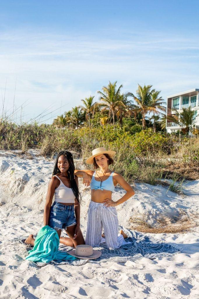 San Diego Hat Company Straw Hat Sand Cloud Boho XL Beach Towels Body Glove Swimwear Blue Bikini Top