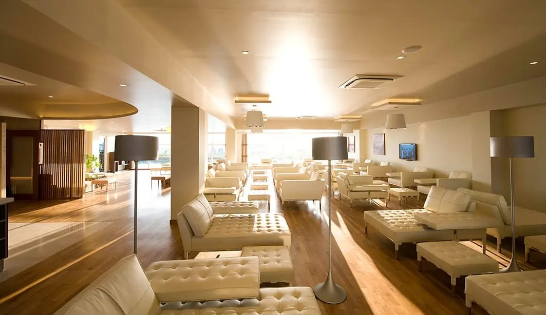 Conrad Maldives - Seaplane Lounge