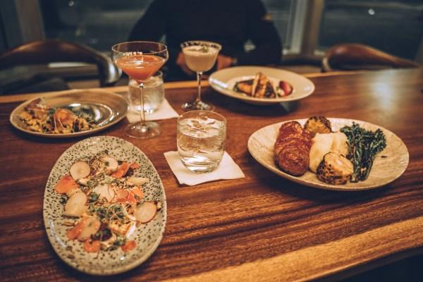 Hyatt Regency Calgary - Canadian Cuisine at Thomsons Kitchen & Bar