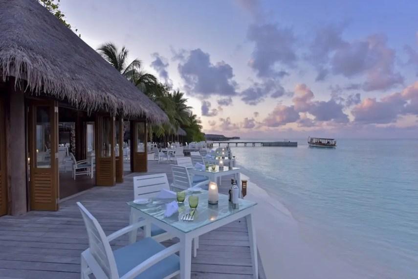 Conrad Maldives - Vilu Restaurant and Bar