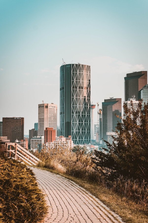Crescent Heights Lookout Point, McHugh Bluff - Calgary's Best Photo Spots - Lauren's Lighthouse
