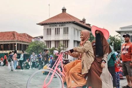 Indonesian Girls by Rohiim Ariful