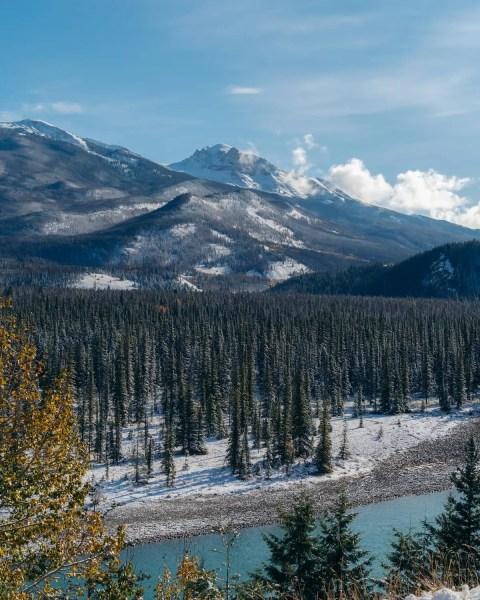 Jasper, Alberta, route 16 Athabasca River