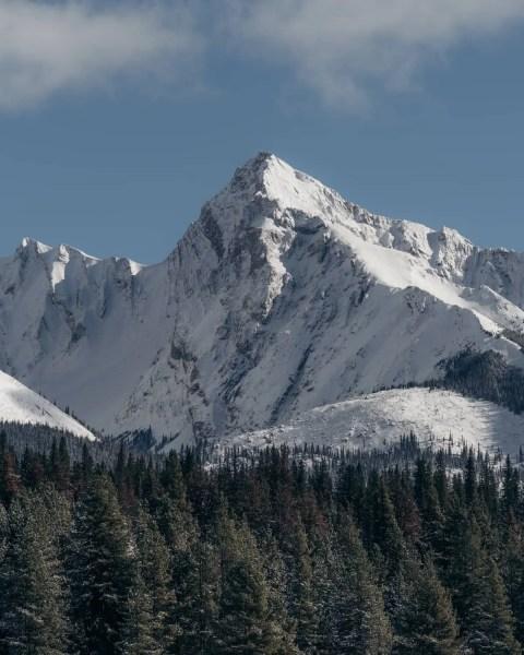 Maligne Lake, Jasper, white mountain peak