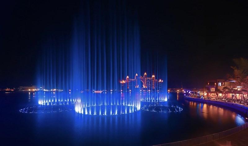 Palm Fountain show at night, Atlantis Dubai, Palm Jumeirah
