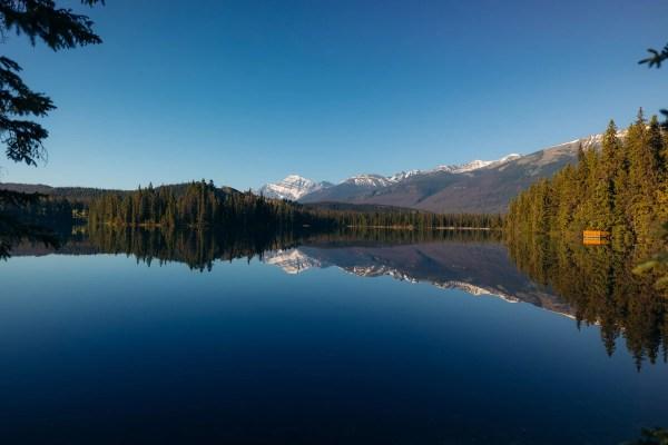 Lac Beauvert summer morning reflection