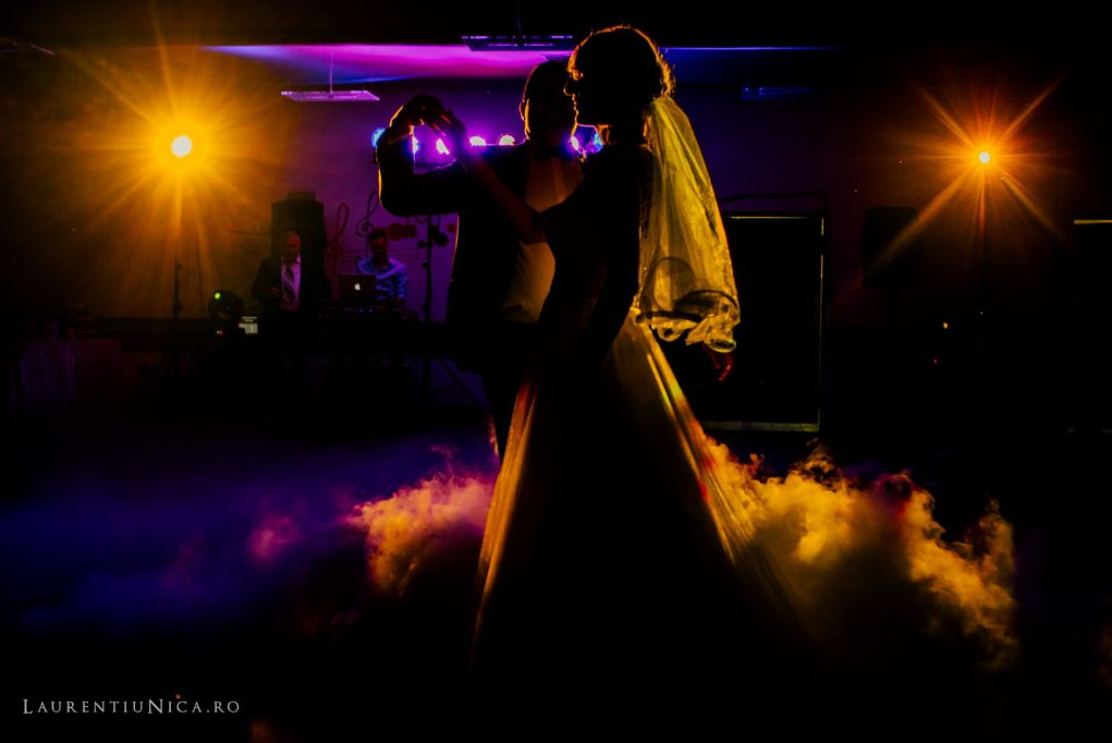 iulia-si-cosmin-fotografii-nunta-orsova-laurentiu-nica57