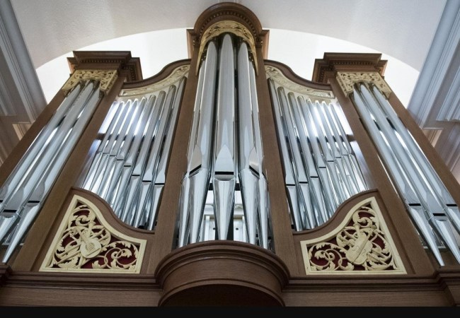 Concord, Massachusetts, pipe organ carving by Laurent Robert woodcarver