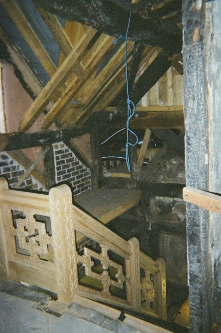 Staircase house in Stockport 17 th century reconstruction, Laurent Robert Woodcarver, staircases top landing