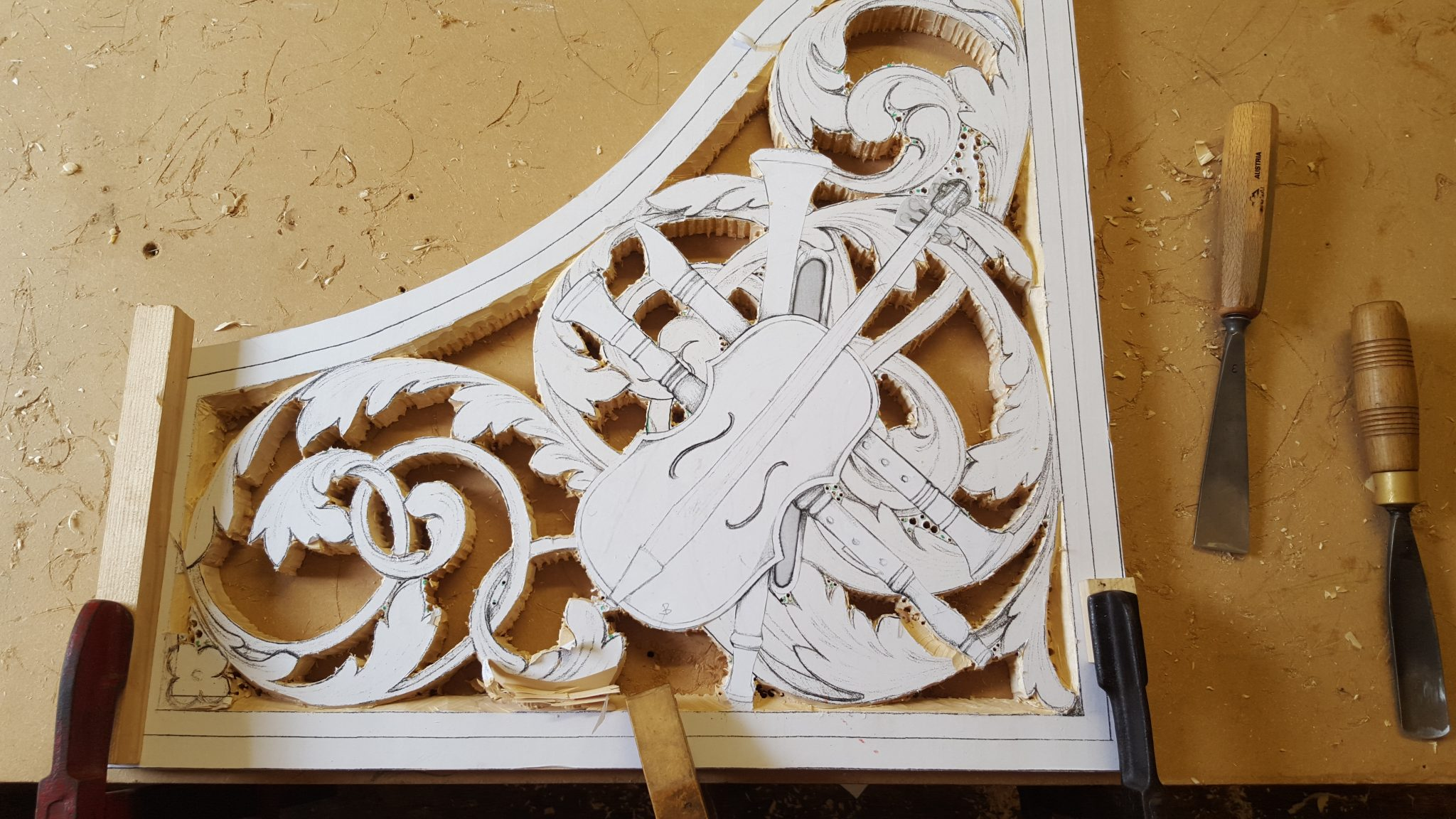 lime wood pipe shades carvings with trophy panel violin, drawings by Laurent Robert Woodcarver