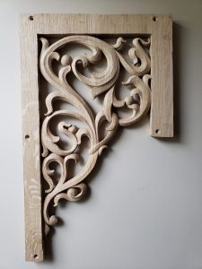 pipe shade carved in oak by Laurent Robert Woodcarver,4