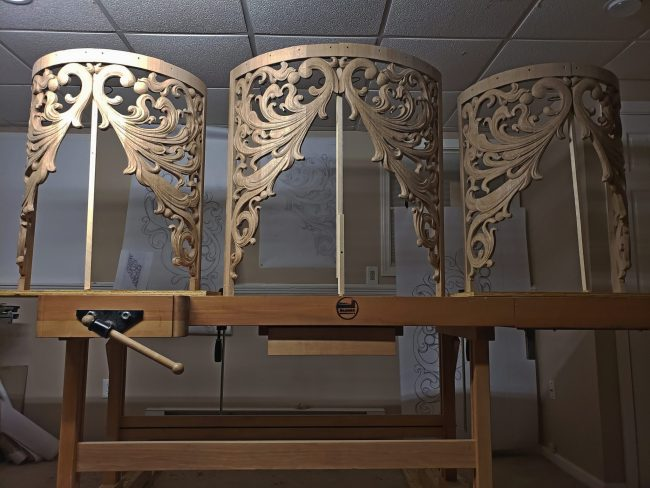 pipe shade carved in oak by Laurent Robert Woodcarver,12