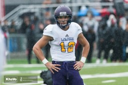 20160917-kha-vo-laurier-mfoot-vs-carleton_-215