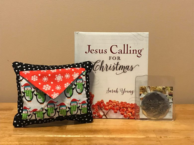 Christmas Pocket Pillow Giveaway