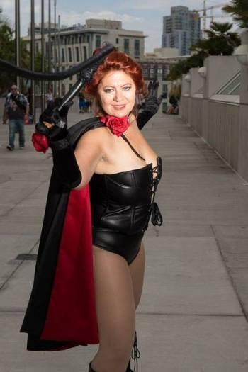 black-queen-cosplay