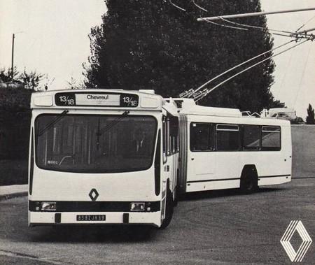 renault berliet er100 1976 1989 l 39 automobile ancienne. Black Bedroom Furniture Sets. Home Design Ideas