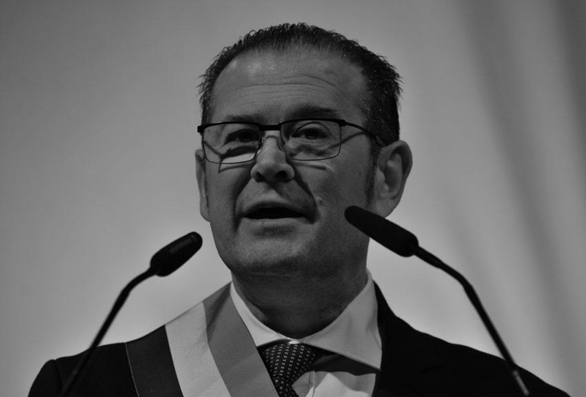 """VOEUX DU SÉNATEUR MAIRE BRUNO GILLES DE LA MAIRIE DU 4/5 EM """"UN ÉLU PROCHE DU PEUPLE"""""""