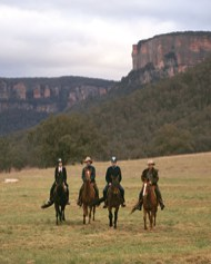 one-and-only-wolgan-valley-horseback-adventures