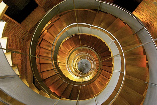 Most Beautiful Examples of Spiral & Helical Staircase Photography (3)