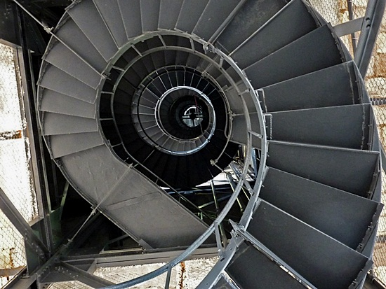 Most Beautiful Examples of Spiral & Helical Staircase Photography (7)