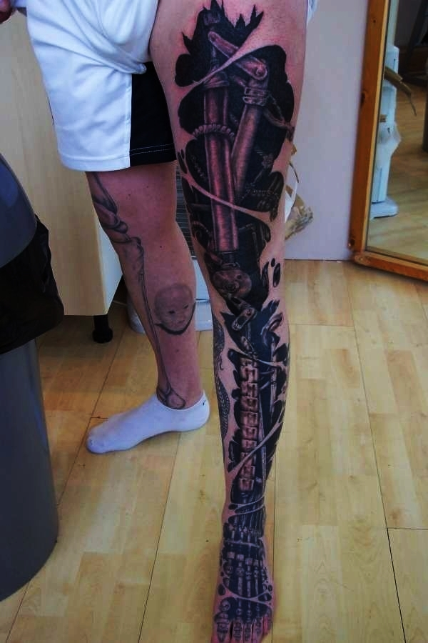 Bio-mechanical Tattoo Designs Examples (5)